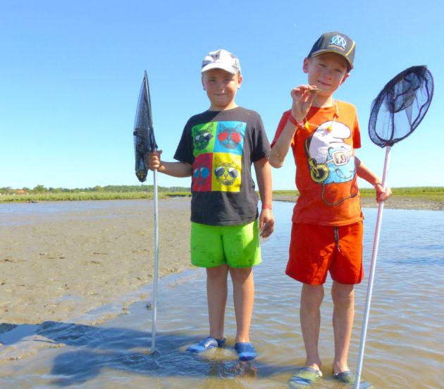 Pêche à pied avec les enfants à Arès