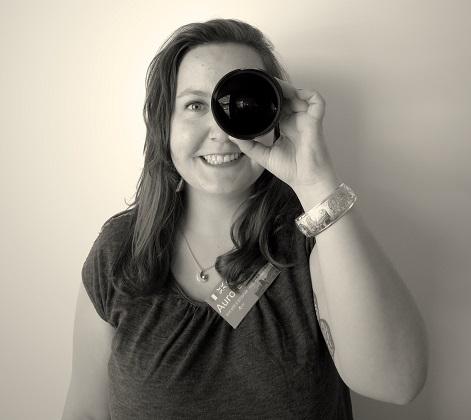 Passionnée de photo, Aurore a toujours un appareil photo à portée de main.