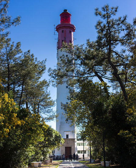 Phare rouge et blanc du Cap Ferret - Bassin d'Arcachon