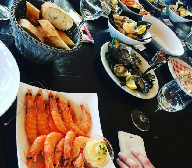 Restaurants de fruits de mer à Arès au port ostréicole