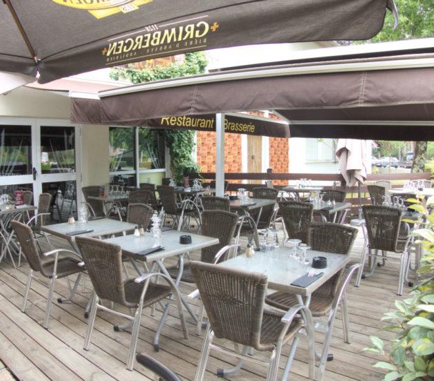 Terrasse du restaurant L'Incontournable à Arès